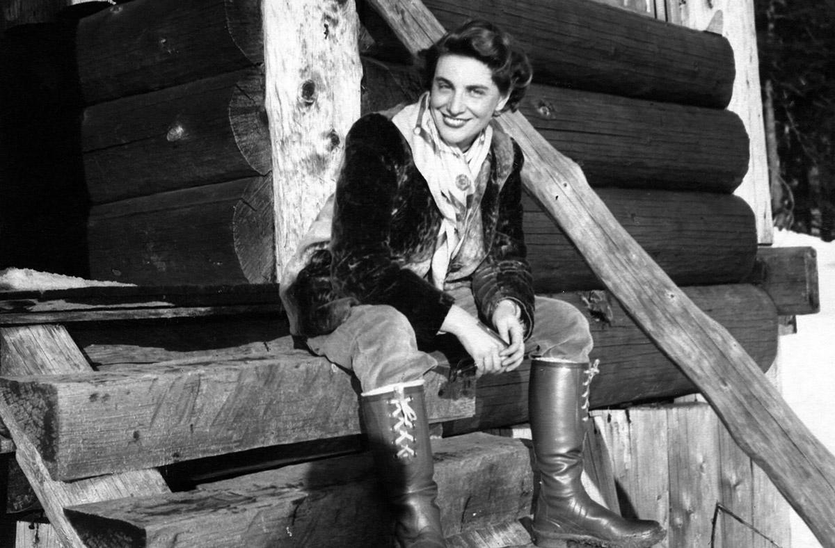 Bedriska durante un'escursione a Grouse Mountain nei primi anni '40
